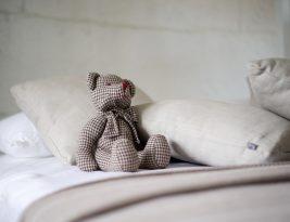 Un cadeau pour la jeune maman – un coussin d'allaitement